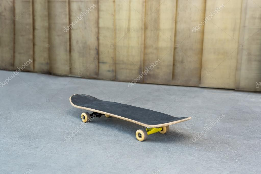 Skateboard similar-image